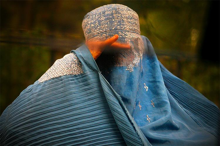 burka_islamsky_odev_priestori_2