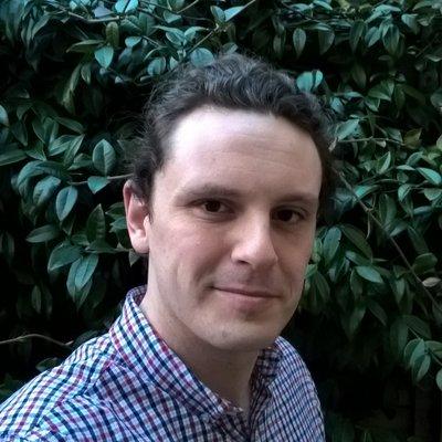 autor Simon Mair