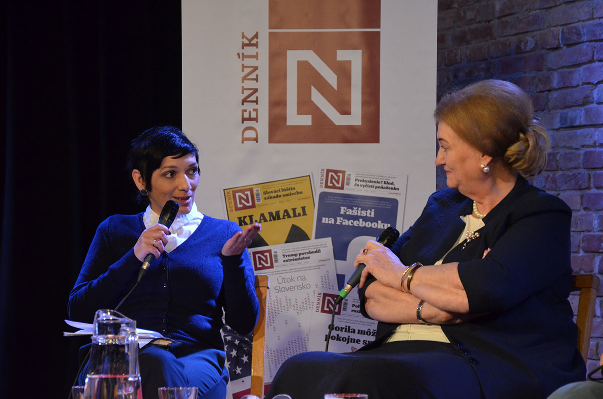 Irena BIhariova a Anna Zaborska v diskusii Dennika N